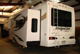 2012 Ridgeline RL36REQ Fifth Wheel by Yellowstone